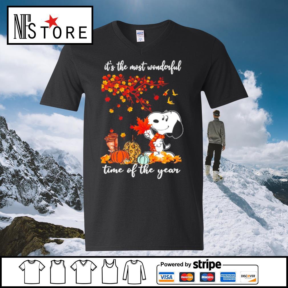 Snoopy It_s the mót wonderful time ò the year s v-neck-t-shirt